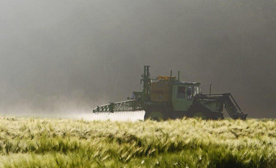 L'UFC-Que choisir de la Manche interpelle le Préfet et la Chambre d'agriculture au sujet de l'épandage agricole et l'usage des pesticides.